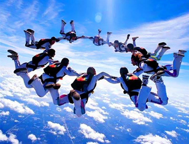 vidy parashyutnogo sporta gruppovaya akrobatika e1555783160759 - Терапевтическое сообщество