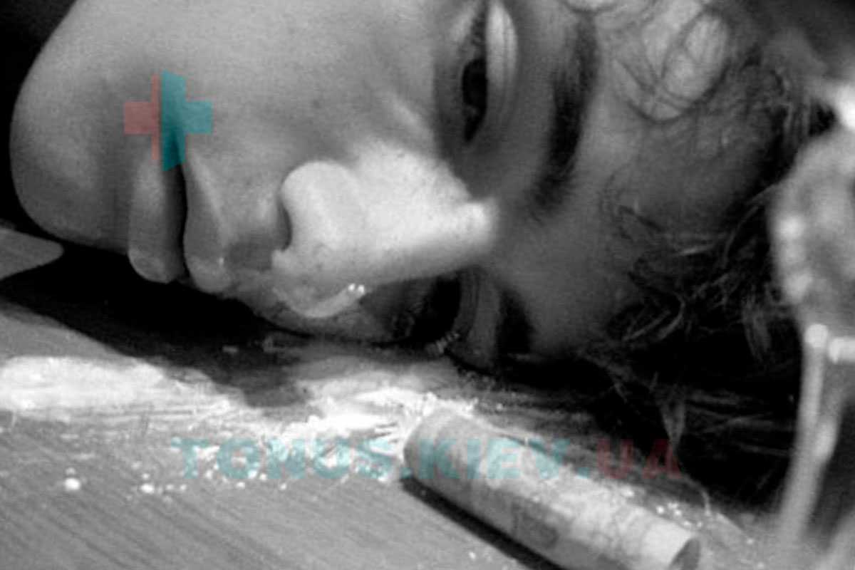 признаки наркомана нюхающего